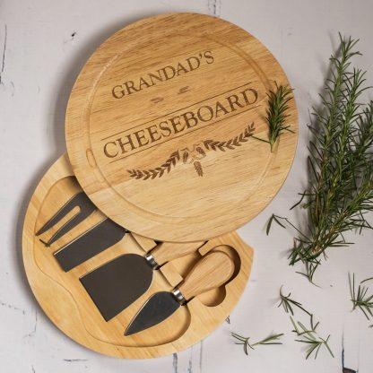Grandads cheeseboard with knives set