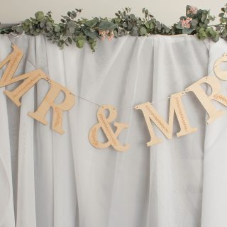 Mr & Mrs Wooden Garland, Botanical