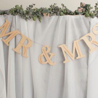 Mr & Mrs Wooden Garland, Botanical