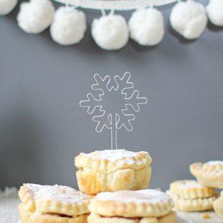 Snowflake Cake Toppers, Set Of Three XMRFTB006